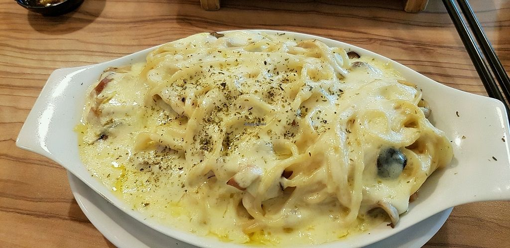 """Photo of Imperial Art Cottage  by <a href=""""/members/profile/SuzanTan"""">SuzanTan</a> <br/>Cheese Baked Carbonara  <br/> March 24, 2018  - <a href='/contact/abuse/image/26829/375120'>Report</a>"""