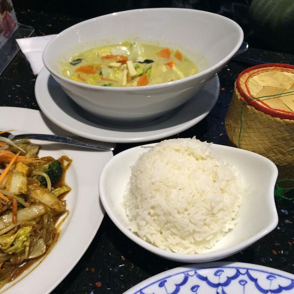 """Photo of De Siam Thai Restaurant  by <a href=""""/members/profile/JazzyCow"""">JazzyCow</a> <br/>Snapshot of the Full Meal :) <br/> March 2, 2015  - <a href='/contact/abuse/image/27092/94597'>Report</a>"""
