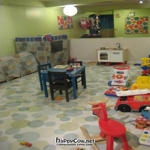 """Photo of CLOSED: La Tasse Gamine  by <a href=""""/members/profile/raphalla"""">raphalla</a> <br/>The enclosed playing area <br/> December 18, 2011  - <a href='/contact/abuse/image/27161/14160'>Report</a>"""