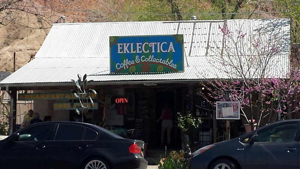 Photo of Eklecticafe  by Navegante <br/>Exterior, Apr 2015 <br/> April 24, 2015  - <a href='/contact/abuse/image/27163/100112'>Report</a>