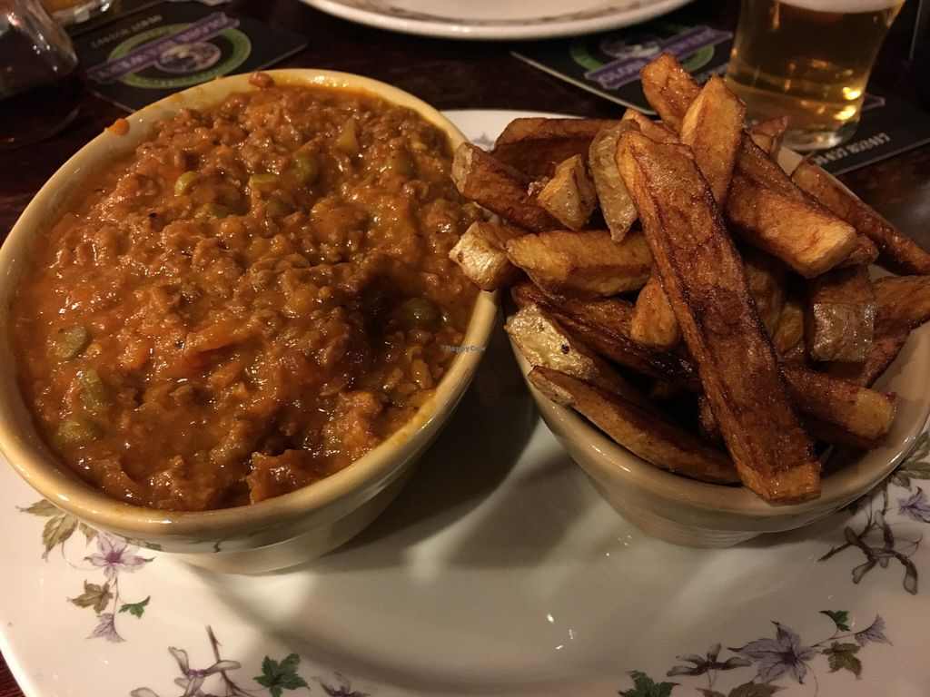 """Photo of The Globe  by <a href=""""/members/profile/Greyskies"""">Greyskies</a> <br/>Keema and chips <br/> July 22, 2016  - <a href='/contact/abuse/image/2721/161564'>Report</a>"""