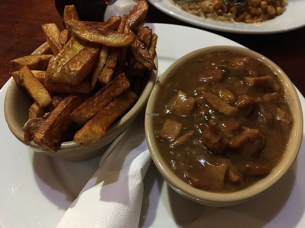 """Photo of The Globe  by <a href=""""/members/profile/astronemma"""">astronemma</a> <br/>'steak' and gravy with chips  <br/> February 19, 2017  - <a href='/contact/abuse/image/2721/228286'>Report</a>"""