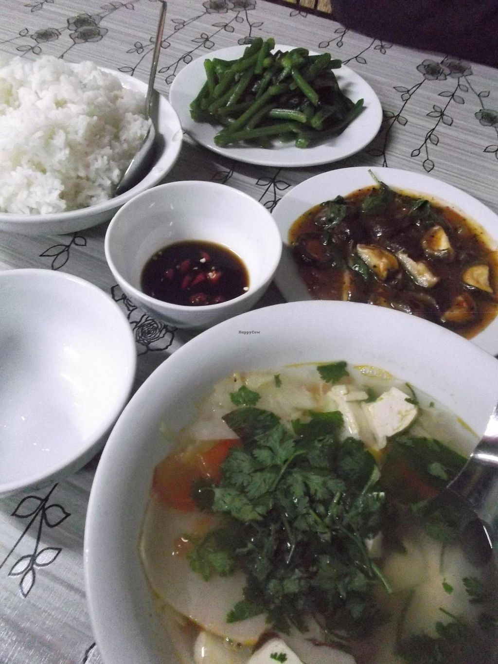 "Photo of Bo De Quan  by <a href=""/members/profile/mfalgas"">mfalgas</a> <br/>Rice, French beans, soup and mushrooms in sauce <br/> December 21, 2014  - <a href='/contact/abuse/image/27266/88405'>Report</a>"