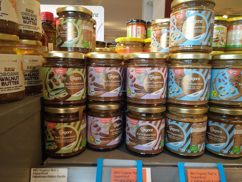 """Photo of Veganz - Schivelbeiner Strasse  by <a href=""""/members/profile/martinicontomate"""">martinicontomate</a> <br/>chocolate spreads <br/> December 9, 2017  - <a href='/contact/abuse/image/27300/333998'>Report</a>"""