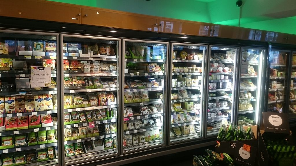 """Photo of Veganz - Schivelbeiner Strasse  by <a href=""""/members/profile/chb-pbfp"""">chb-pbfp</a> <br/>Inside shop <br/> April 4, 2018  - <a href='/contact/abuse/image/27300/380708'>Report</a>"""