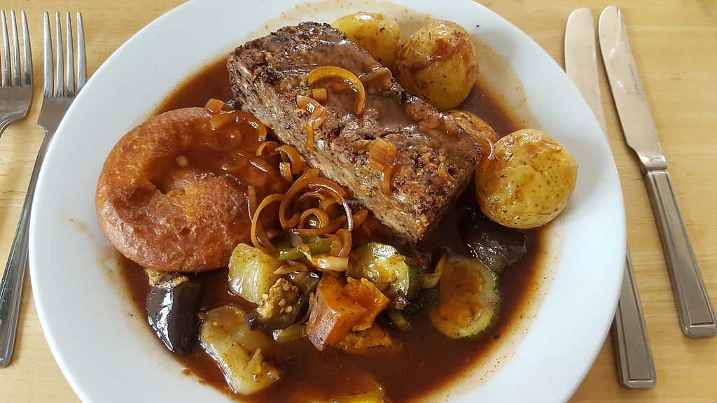 """Photo of River Green Cafe  by <a href=""""/members/profile/VeganAnnaS"""">VeganAnnaS</a> <br/>Vegan Sunday lunch complete with vegan Yorkshire pud <br/> September 25, 2017  - <a href='/contact/abuse/image/27317/308452'>Report</a>"""