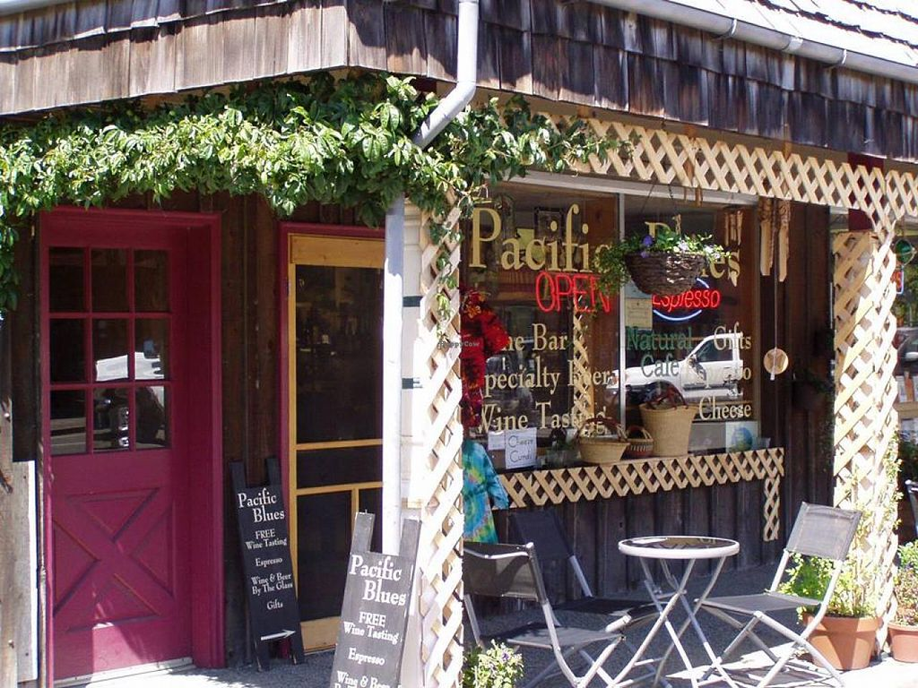 """Photo of Pacific Blues Natural Cafe & Wine Bar  by <a href=""""/members/profile/treetones"""">treetones</a> <br/>Storefront <br/> March 18, 2014  - <a href='/contact/abuse/image/27321/66123'>Report</a>"""