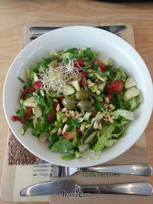 """Photo of eten vol leven  by <a href=""""/members/profile/Fer"""">Fer</a> <br/>Salad <br/> April 1, 2013  - <a href='/contact/abuse/image/27346/46355'>Report</a>"""