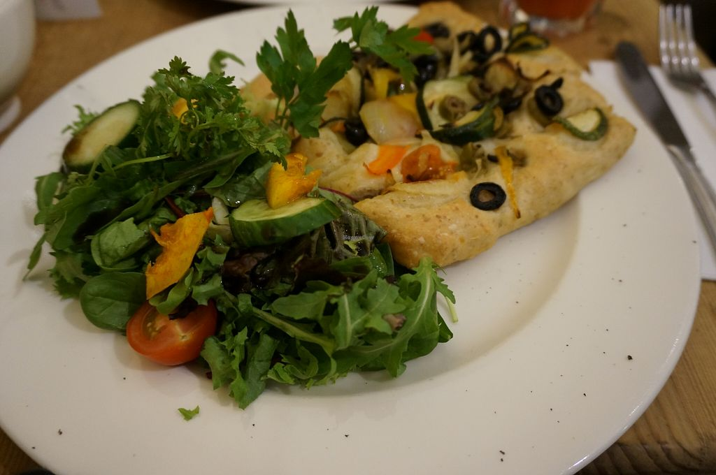 """Photo of Le Pain Quotidien  by <a href=""""/members/profile/Ricardo"""">Ricardo</a> <br/>Focaccia (Vegan) <br/> September 19, 2015  - <a href='/contact/abuse/image/27631/118350'>Report</a>"""