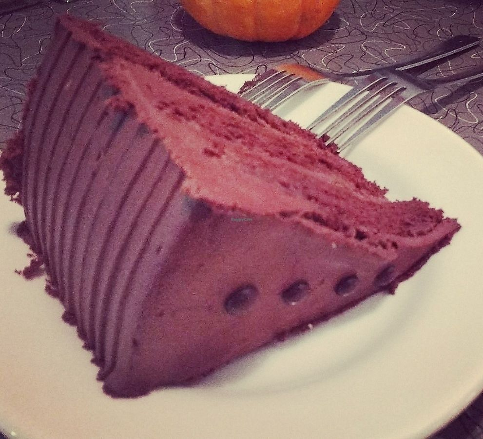 """Photo of Veggie Galaxy  by <a href=""""/members/profile/Coralin"""">Coralin</a> <br/>Taza chocolate cake <br/> November 9, 2017  - <a href='/contact/abuse/image/27722/323580'>Report</a>"""