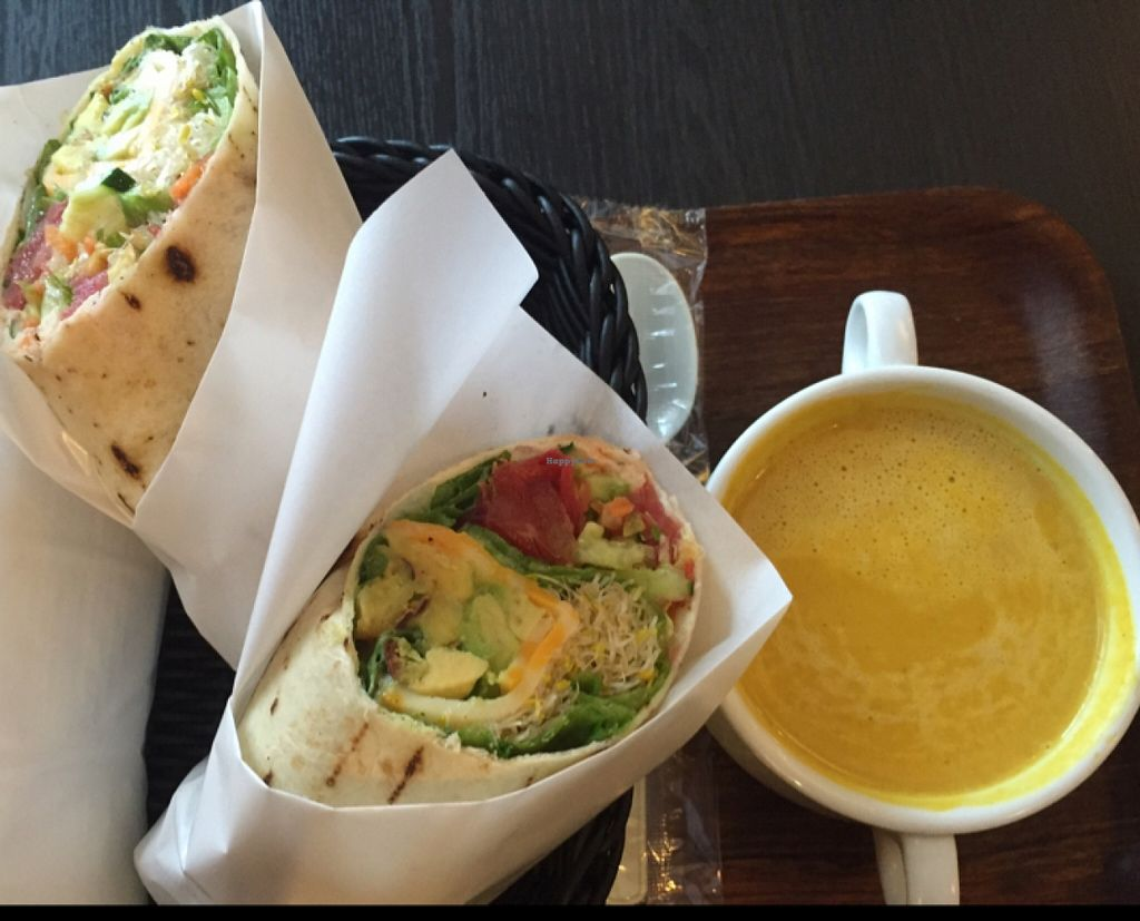 "Photo of The Earl  by <a href=""/members/profile/Kimxula"">Kimxula</a> <br/>California bombshell with pumpkin and curry soup <br/> April 28, 2016  - <a href='/contact/abuse/image/27754/146529'>Report</a>"