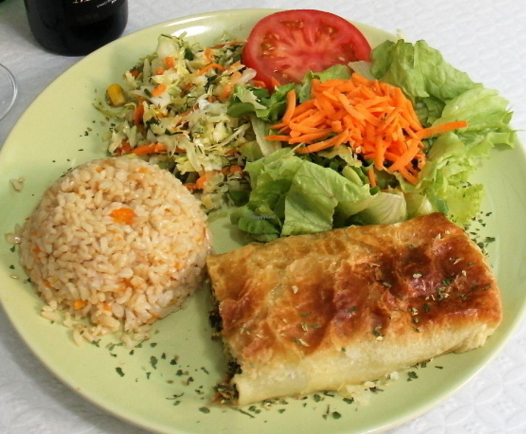 """Photo of Oasis Vegetariano  by <a href=""""/members/profile/reissausta%20ja%20ruokaa"""">reissausta ja ruokaa</a> <br/>Spinach and tofu strudel (basicly a pastry).  <br/> July 30, 2016  - <a href='/contact/abuse/image/27871/241326'>Report</a>"""