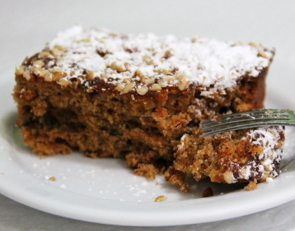 """Photo of Oasis Vegetariano  by <a href=""""/members/profile/reissausta%20ja%20ruokaa"""">reissausta ja ruokaa</a> <br/>Carrot cake was very fulfilling.  <br/> July 30, 2016  - <a href='/contact/abuse/image/27871/241328'>Report</a>"""