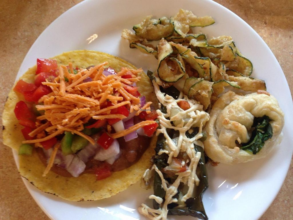 """Photo of Mean Greens  by <a href=""""/members/profile/Tata"""">Tata</a> <br/>My first round, bean taco with toppings, stuffed pepper, fried spiral zucchini (tasted like fried seafood), puff pastry with spinach <br/> September 12, 2014  - <a href='/contact/abuse/image/27997/79683'>Report</a>"""