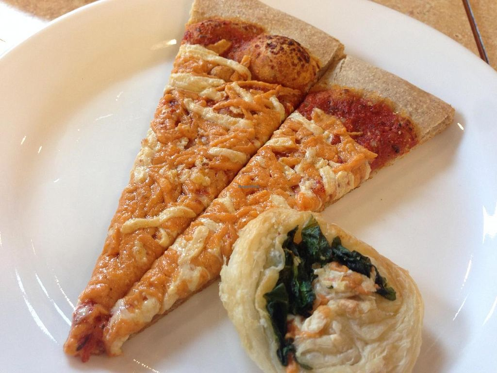 """Photo of Mean Greens  by <a href=""""/members/profile/Tata"""">Tata</a> <br/>Cheezey pizza, plenty of vegan cheese so creamy, juicy and yummy! <br/> September 14, 2014  - <a href='/contact/abuse/image/27997/79818'>Report</a>"""