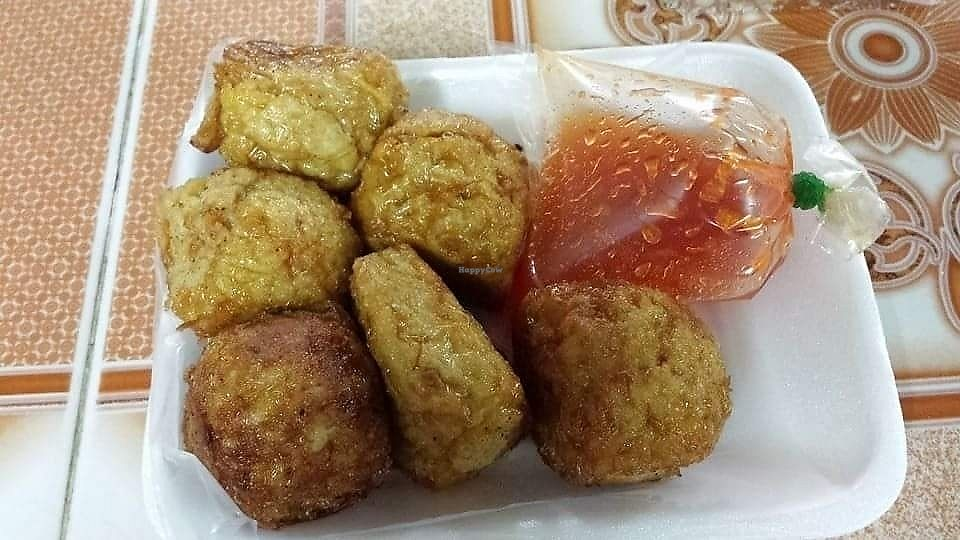 """Photo of Ming Kwan  by <a href=""""/members/profile/Peiyan"""">Peiyan</a> <br/>is this vegan Thai fish cakes? Never eaten the real ones, hence no idea  <br/> August 18, 2017  - <a href='/contact/abuse/image/28009/293936'>Report</a>"""