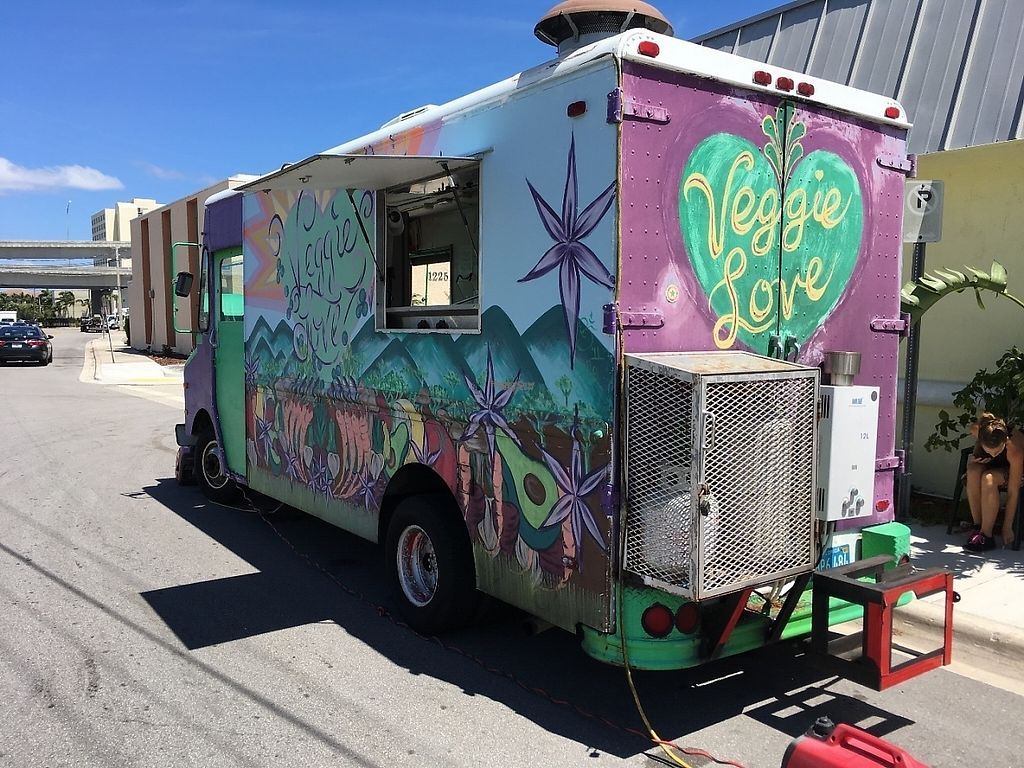 """Photo of Veggie Love Food Truck  by <a href=""""/members/profile/pm011"""">pm011</a> <br/>Flipside of the truck.  <br/> April 1, 2017  - <a href='/contact/abuse/image/28195/243430'>Report</a>"""