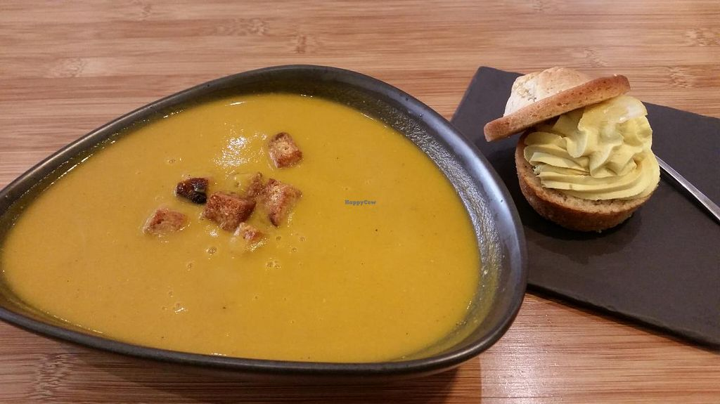 """Photo of CLOSED: Botaniq  by <a href=""""/members/profile/konlish"""">konlish</a> <br/>I think this was sweet potato and butternut soup with Rye bread. It was ok.   <br/> April 6, 2015  - <a href='/contact/abuse/image/28200/98057'>Report</a>"""