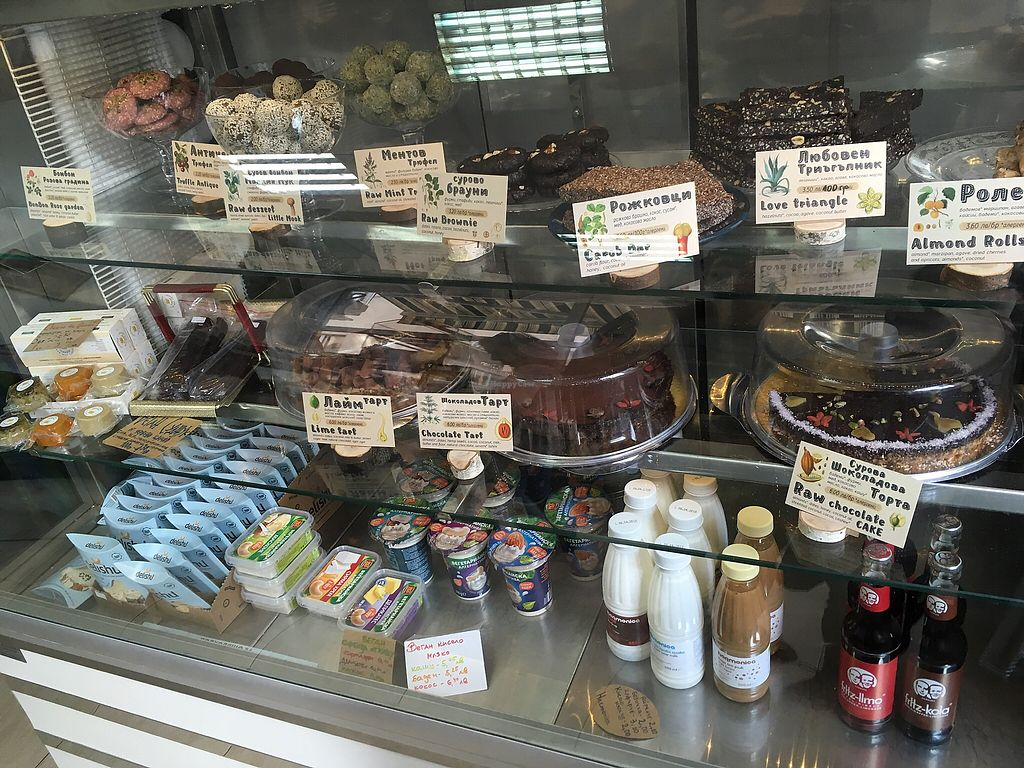 """Photo of Sunmoon Bakery - Gladston  by <a href=""""/members/profile/SuzyJones"""">SuzyJones</a> <br/>Counter  <br/> March 30, 2018  - <a href='/contact/abuse/image/28241/378132'>Report</a>"""