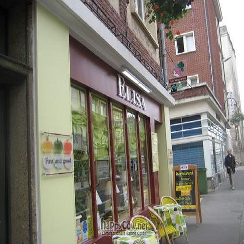 """Photo of Elisa  by <a href=""""/members/profile/beavers"""">beavers</a> <br/>Elisa in Amiens. Just round the corner from the Belfry (just visible on the far right) <br/> September 15, 2011  - <a href='/contact/abuse/image/28288/10617'>Report</a>"""