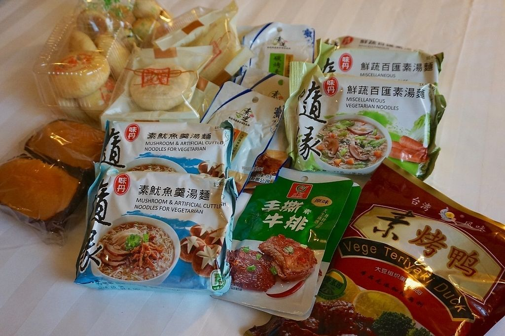 """Photo of Beijing Zheng Long Zhai Vegetarian  by <a href=""""/members/profile/jojoinbrighton"""">jojoinbrighton</a> <br/>Food haul! <br/> April 24, 2017  - <a href='/contact/abuse/image/28635/251750'>Report</a>"""