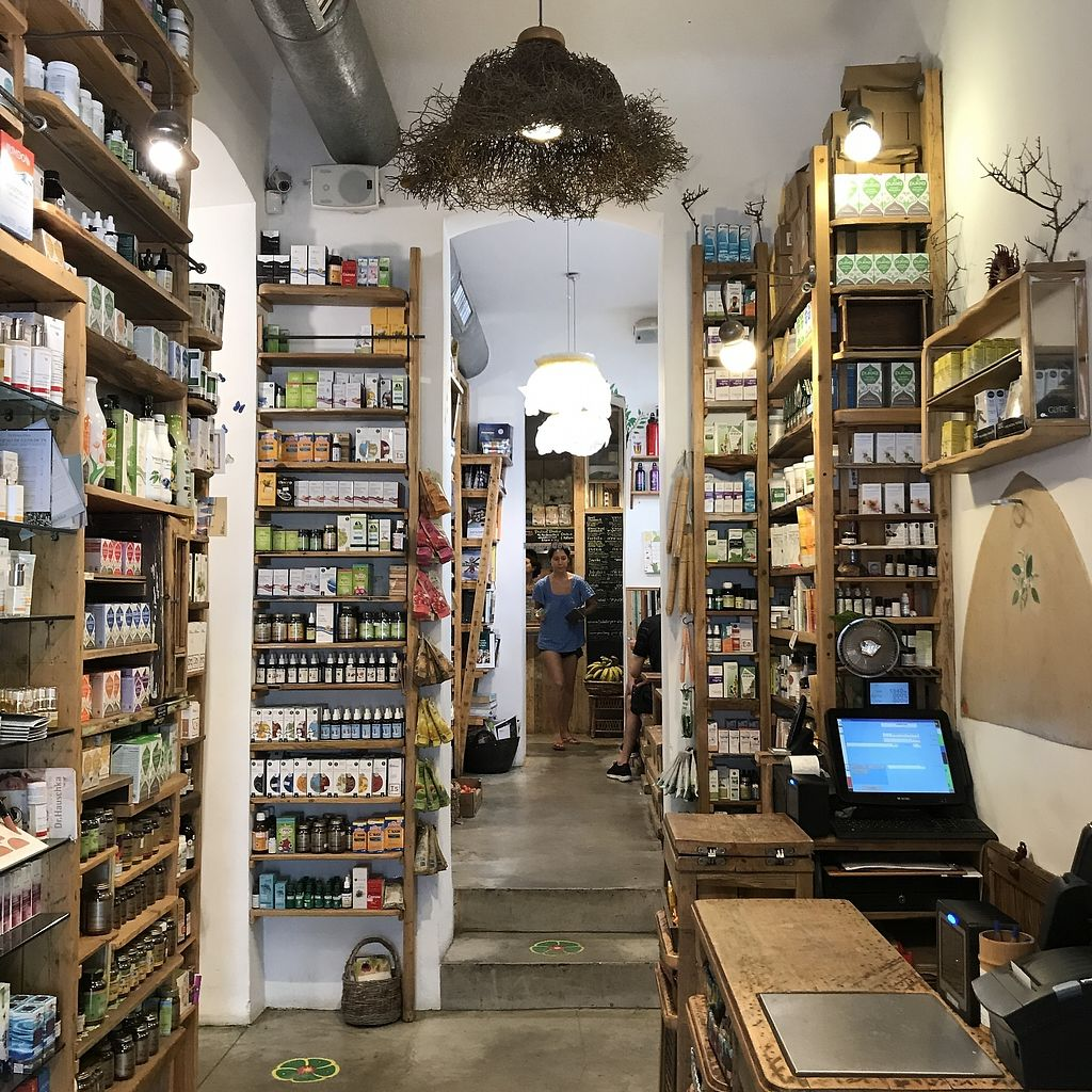 """Photo of Neroli Organic Juice Bar and Rawfood Diner  by <a href=""""/members/profile/batman_is_vegan"""">batman_is_vegan</a> <br/>Neroli - Store <br/> September 17, 2017  - <a href='/contact/abuse/image/28747/305493'>Report</a>"""