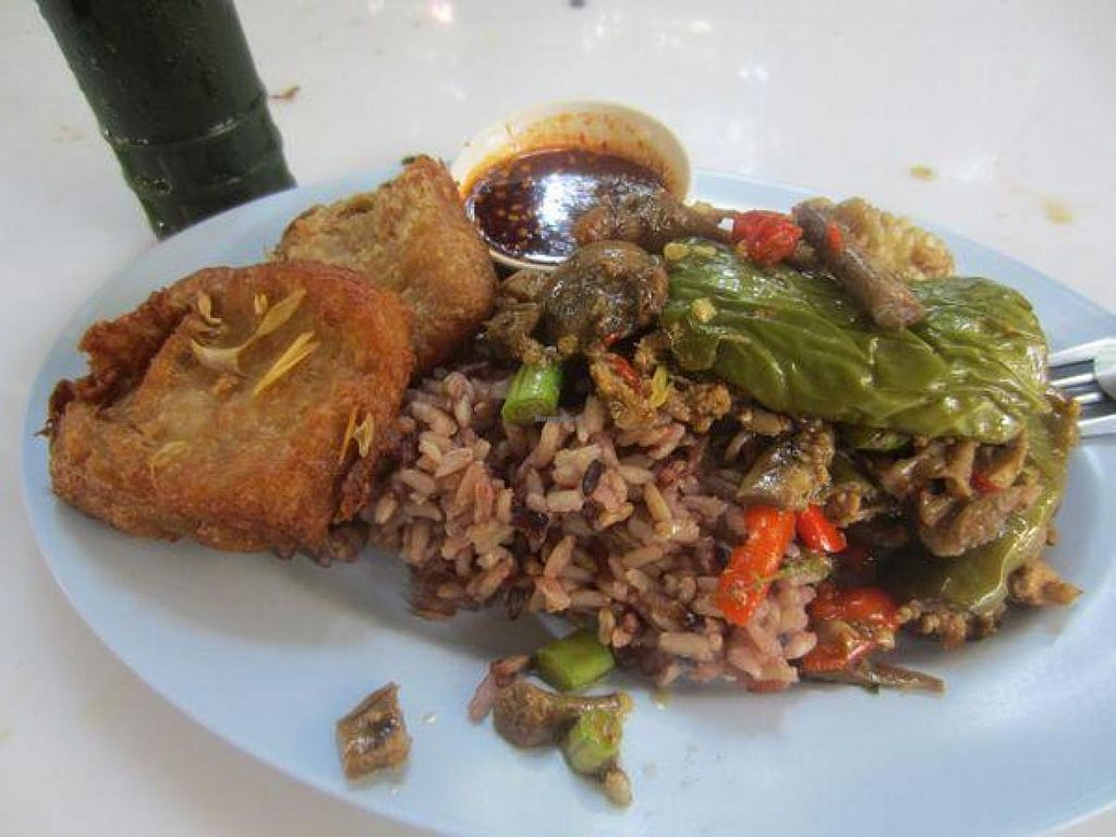 """Photo of CLOSED: Baan Suan Pai  by <a href=""""/members/profile/Jrosworld"""">Jrosworld</a> <br/>I had no idea what I was eating. But it was delicious <br/> October 19, 2014  - <a href='/contact/abuse/image/28819/83419'>Report</a>"""