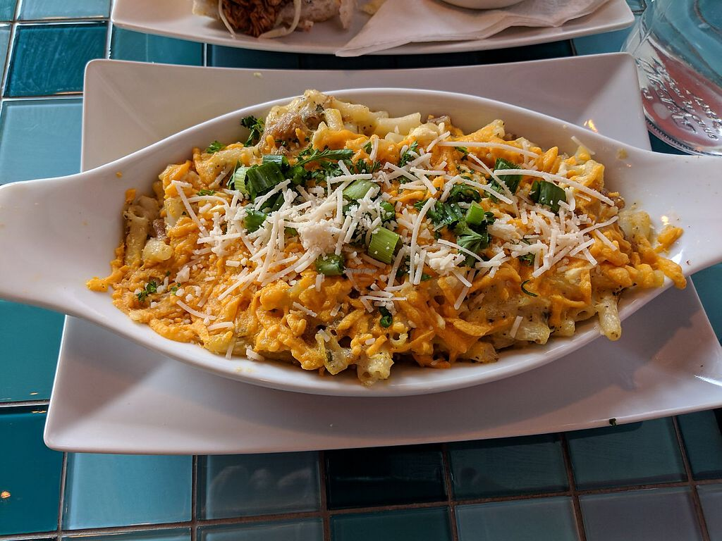 "Photo of Chomp Vegan Eatery  by <a href=""/members/profile/theresabee"">theresabee</a> <br/>Baked Mac n' Cheesy <br/> March 5, 2018  - <a href='/contact/abuse/image/28869/366935'>Report</a>"