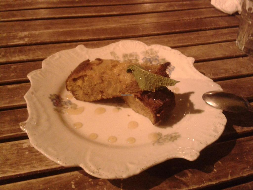 """Photo of Le Cours en Vert  by <a href=""""/members/profile/JonJon"""">JonJon</a> <br/>Vegan cinnamon cake <br/> May 25, 2014  - <a href='/contact/abuse/image/29056/70721'>Report</a>"""