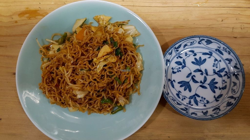 """Photo of Heianraku  by <a href=""""/members/profile/Knoepfchen"""">Knoepfchen</a> <br/>Fried noodles <br/> November 2, 2016  - <a href='/contact/abuse/image/29092/186199'>Report</a>"""