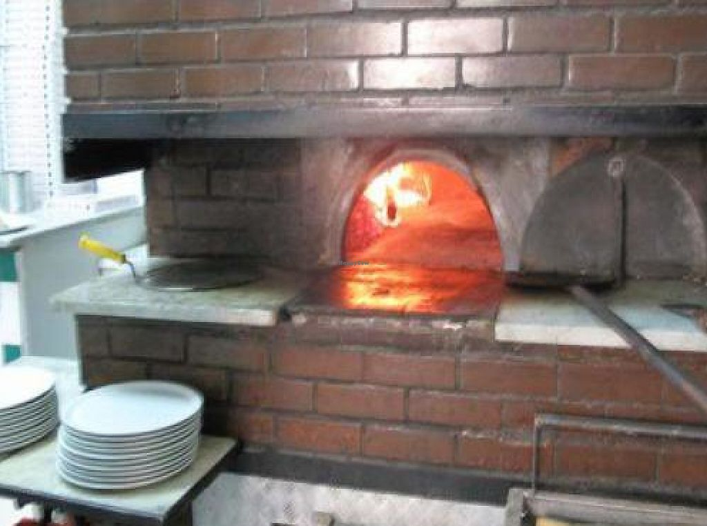 "Photo of Pizzeria da Michele  by <a href=""/members/profile/msvegan"">msvegan</a> <br/>Oven <br/> November 16, 2011  - <a href='/contact/abuse/image/29173/194224'>Report</a>"