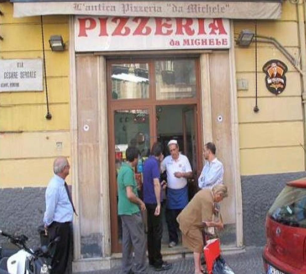 "Photo of Pizzeria da Michele  by <a href=""/members/profile/msvegan"">msvegan</a> <br/>Front <br/> November 16, 2011  - <a href='/contact/abuse/image/29173/194225'>Report</a>"