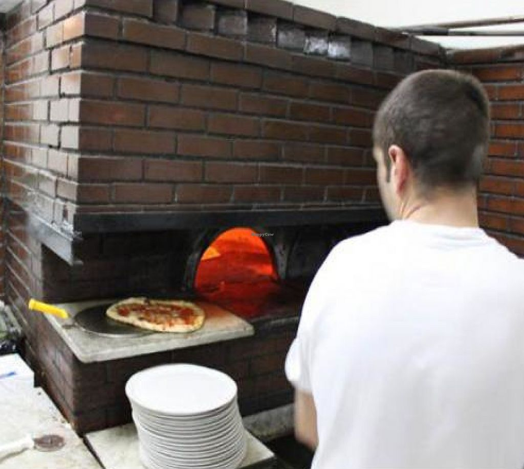 "Photo of Pizzeria da Michele  by <a href=""/members/profile/Laitio-Ramone"">Laitio-Ramone</a> <br/> December 25, 2011  - <a href='/contact/abuse/image/29173/194228'>Report</a>"