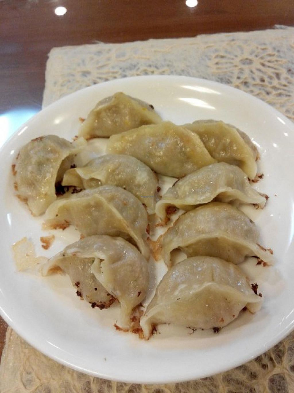 "Photo of CLOSED: Di Shuei Restaurant  by <a href=""/members/profile/LaiNamKhim"">LaiNamKhim</a> <br/>A big plate of pot-stickers (gyoza) for 5000W. The filling is a mix of mock meat and vegetables. Very tasty with a good texture and crispy one side <br/> September 30, 2014  - <a href='/contact/abuse/image/29319/81687'>Report</a>"