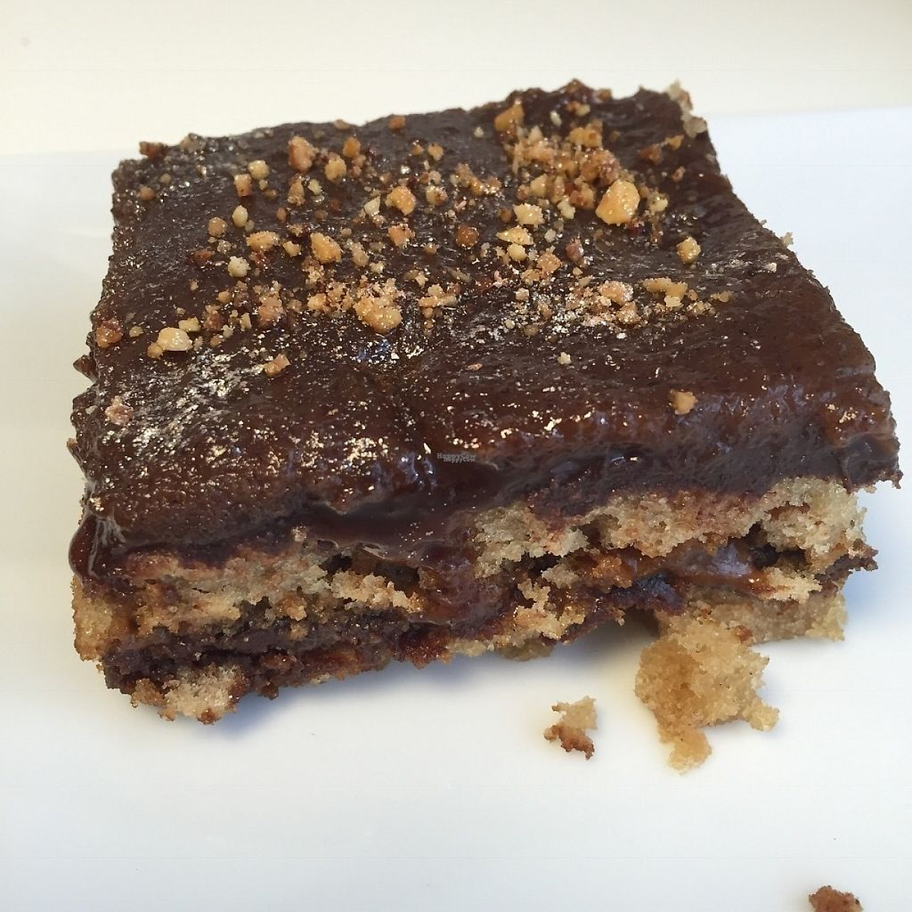 """Photo of Vegan Folie's  by <a href=""""/members/profile/StevieSurf"""">StevieSurf</a> <br/>Vegan cake <br/> February 17, 2017  - <a href='/contact/abuse/image/29521/227266'>Report</a>"""