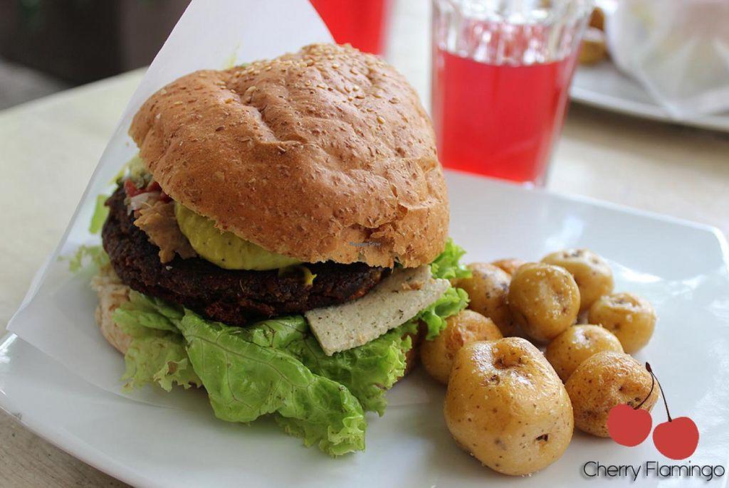 "Photo of Lenteja Express - Poblado  by <a href=""/members/profile/CherryFlamingo"">CherryFlamingo</a> <br/>Vegan Burger <br/> July 14, 2015  - <a href='/contact/abuse/image/29612/109412'>Report</a>"