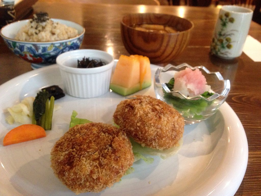 """Photo of Nezu no ya  by <a href=""""/members/profile/Nguy%E1%BB%85nQu%E1%BB%B3nh"""">NguyễnQuỳnh</a> <br/>Daily Special Lunch with Pumkin Croquette as main dish. 1200¥ <br/> July 24, 2017  - <a href='/contact/abuse/image/2964/284258'>Report</a>"""