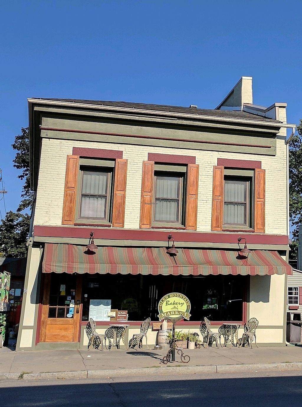 """Photo of Glen Mountain Market Deli  by <a href=""""/members/profile/Chickadee"""">Chickadee</a> <br/>outside <br/> September 23, 2017  - <a href='/contact/abuse/image/29734/307604'>Report</a>"""