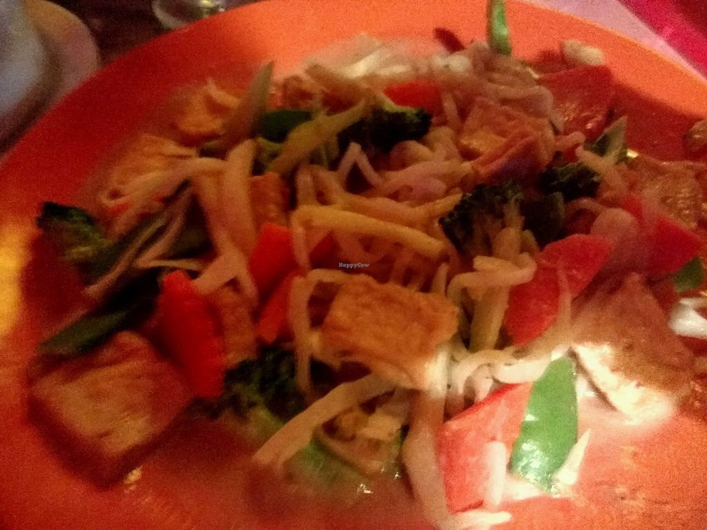 """Photo of Toom Toom Thai  by <a href=""""/members/profile/CWRangel"""">CWRangel</a> <br/>tofu rice noodles veggies with peanut sauce <br/> February 17, 2018  - <a href='/contact/abuse/image/29981/360218'>Report</a>"""