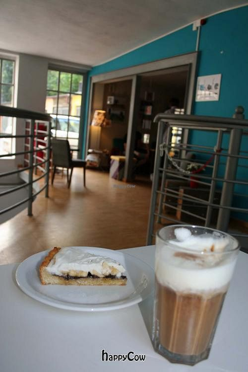 """Photo of Fukafe  by <a href=""""/members/profile/Thomas%20Overdick"""">Thomas Overdick</a> <br/>Banafi cake <br/> September 8, 2012  - <a href='/contact/abuse/image/30227/37721'>Report</a>"""