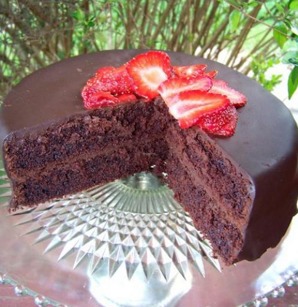 """Photo of I Heart Veg  by <a href=""""/members/profile/iheartveg"""">iheartveg</a> <br/>Vegan chocolate cake with vegan ganache!  <br/> May 6, 2012  - <a href='/contact/abuse/image/30257/214402'>Report</a>"""