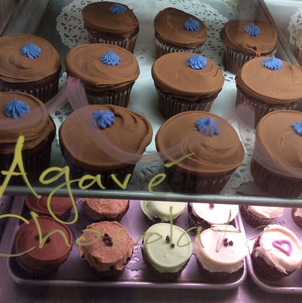 """Photo of Erin McKenna's Bakery  by <a href=""""/members/profile/mariaig"""">mariaig</a> <br/>cupcakes <br/> February 6, 2017  - <a href='/contact/abuse/image/30312/223690'>Report</a>"""