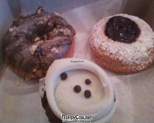 """Photo of Erin McKenna's Bakery  by <a href=""""/members/profile/Sonja%20and%20Dirk"""">Sonja and Dirk</a> <br/> February 26, 2012  - <a href='/contact/abuse/image/30312/28861'>Report</a>"""
