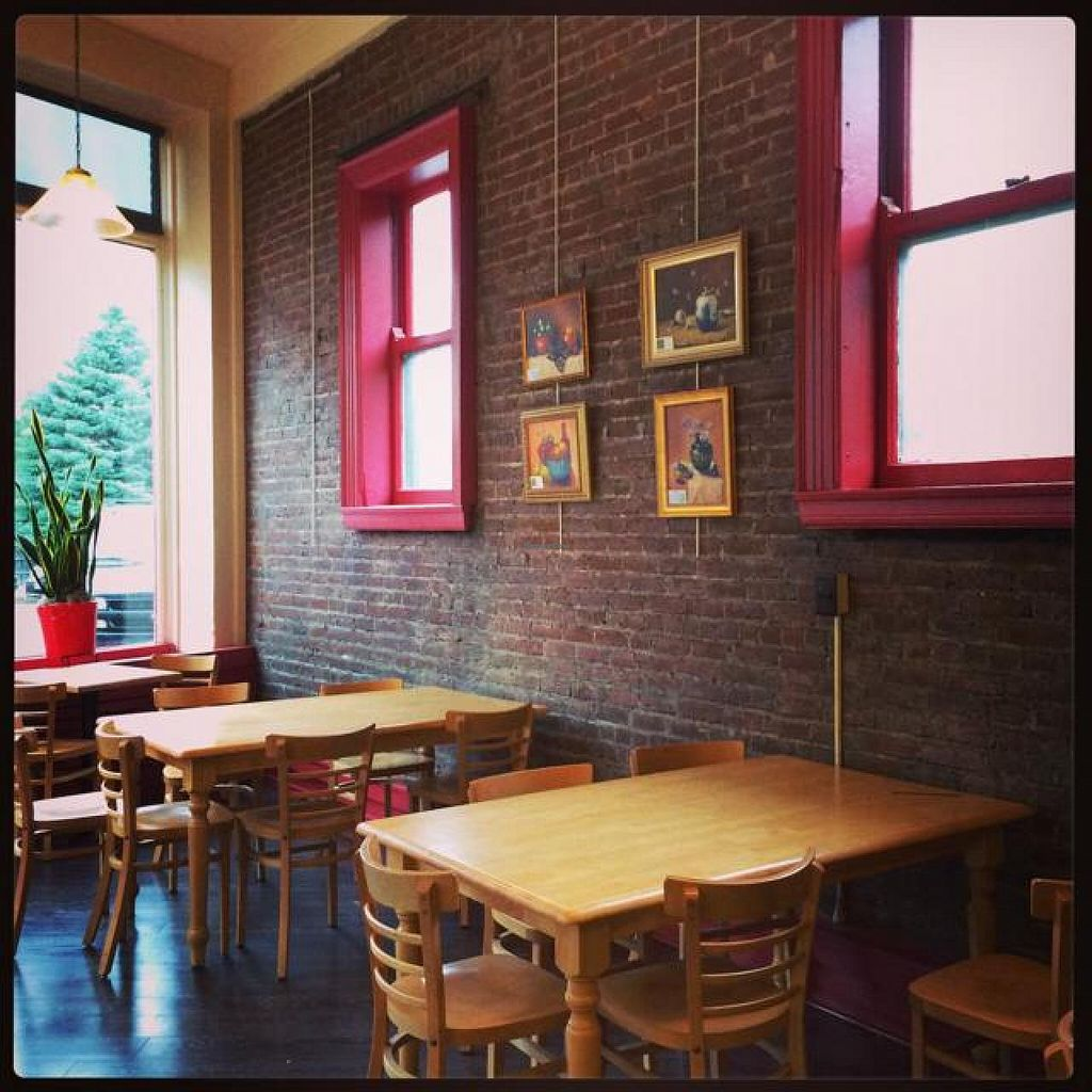 "Photo of Bagel Central  by <a href=""/members/profile/grinrock"">grinrock</a> <br/>seating area is quite comfy  <br/> June 25, 2014  - <a href='/contact/abuse/image/30316/72805'>Report</a>"