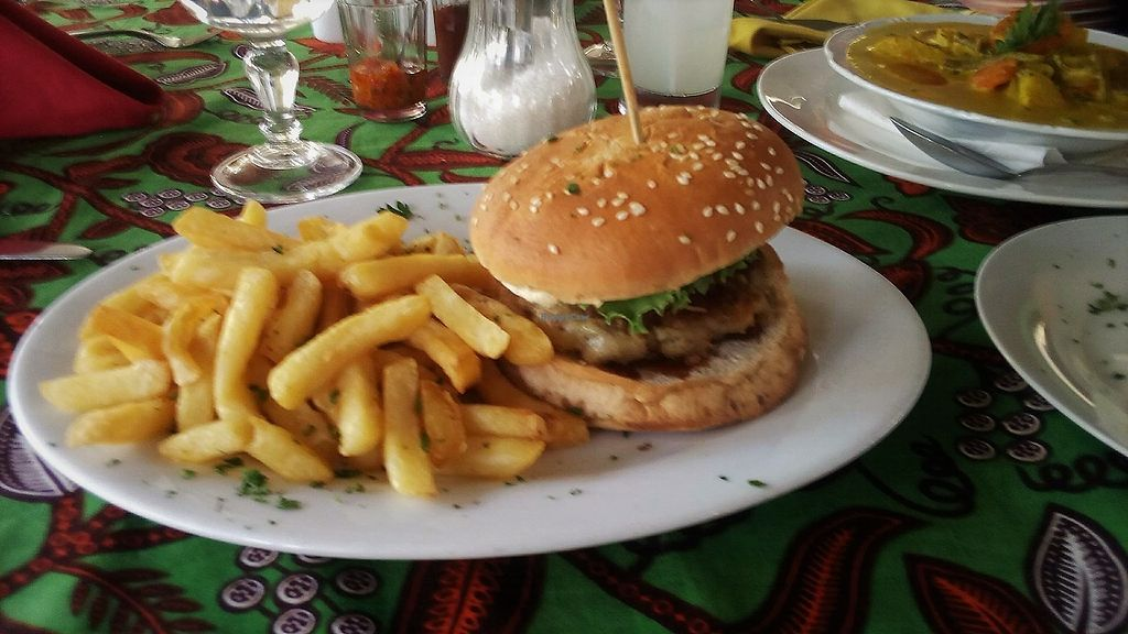 """Photo of Institut Francais Leopold Sedar Senghor  by <a href=""""/members/profile/EvaBlumenwiese"""">EvaBlumenwiese</a> <br/>Vegan Burger with potato patty <br/> October 25, 2017  - <a href='/contact/abuse/image/30450/318912'>Report</a>"""