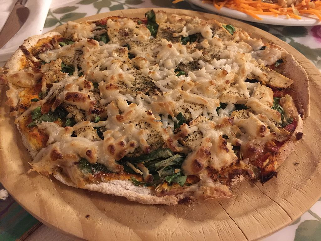 "Photo of Almuzara  by <a href=""/members/profile/LaraleIsabel"">LaraleIsabel</a> <br/>pizza vegana con opción de queso de arroz <br/> July 8, 2017  - <a href='/contact/abuse/image/30532/277981'>Report</a>"