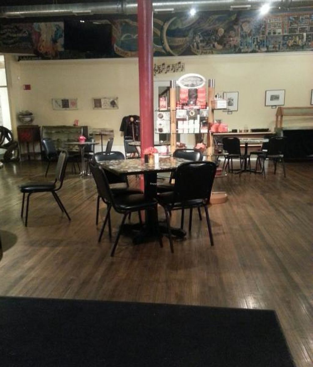 "Photo of CLOSED: Downtown Central Perk  by <a href=""/members/profile/KimGriffiths"">KimGriffiths</a> <br/>View from the booths towards front seating area <br/> November 13, 2013  - <a href='/contact/abuse/image/30543/199946'>Report</a>"