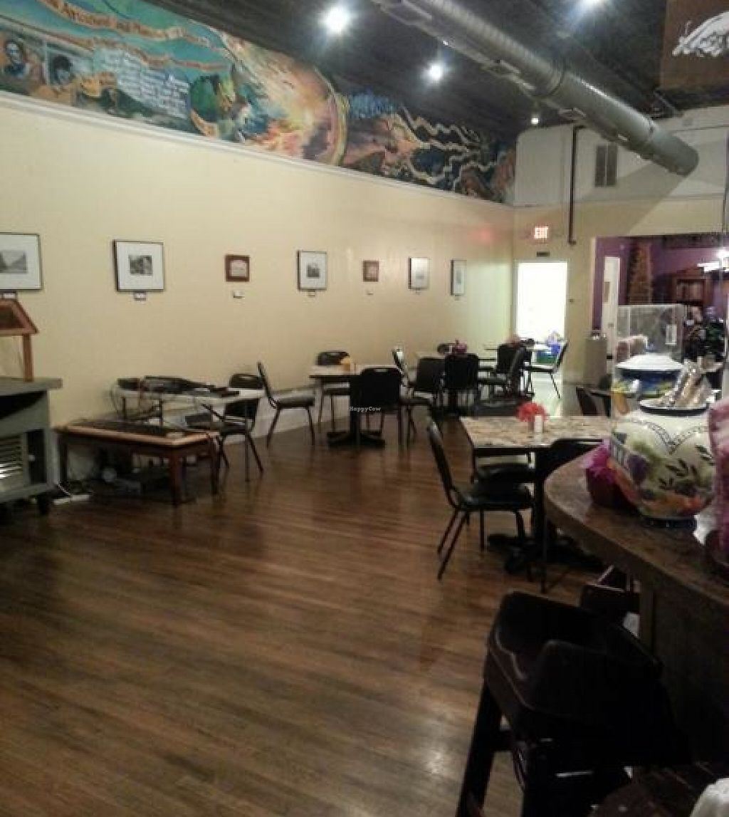 "Photo of CLOSED: Downtown Central Perk  by <a href=""/members/profile/KimGriffiths"">KimGriffiths</a> <br/>View of side and back seating area <br/> November 13, 2013  - <a href='/contact/abuse/image/30543/199947'>Report</a>"