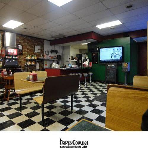 """Photo of CLOSED: Aardvark Kafe  by <a href=""""/members/profile/PennsyltuckyVeggie"""">PennsyltuckyVeggie</a> <br/>Inside Aardvark, looking toward the counter <br/> February 16, 2012  - <a href='/contact/abuse/image/30624/28459'>Report</a>"""