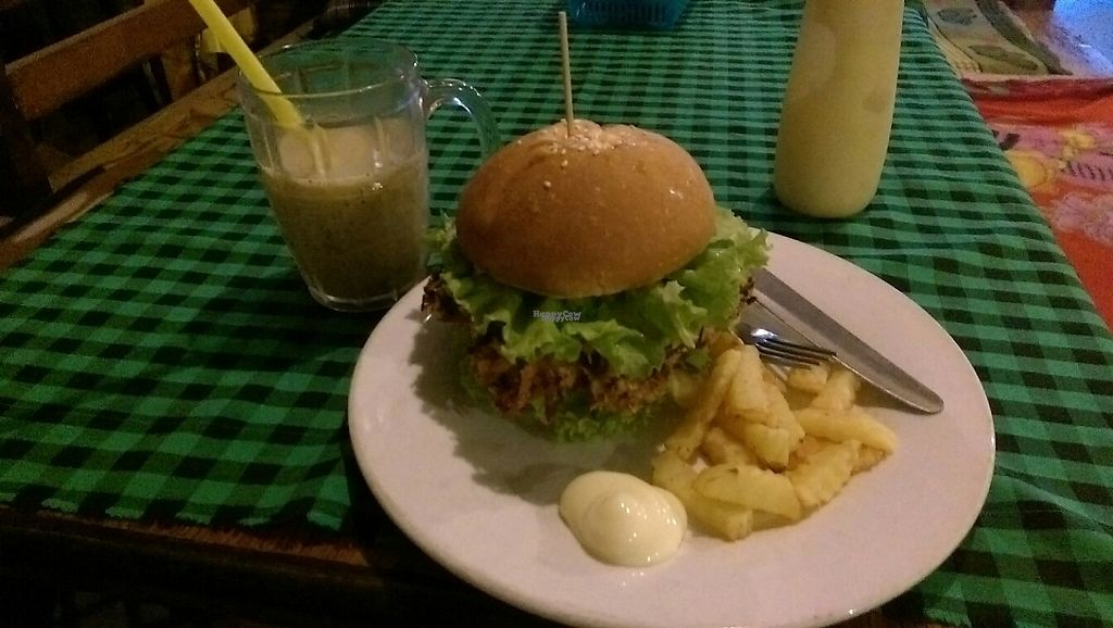 """Photo of Veggie Tables  by <a href=""""/members/profile/whatswithwendy"""">whatswithwendy</a> <br/>mushroomburger with french fries and vegan mayonaise  <br/> December 16, 2016  - <a href='/contact/abuse/image/30679/201566'>Report</a>"""